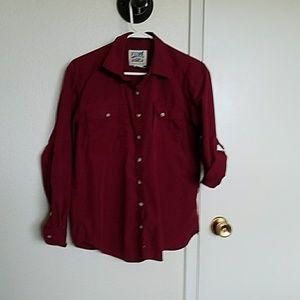 VTG dark red Travelsmith shirt